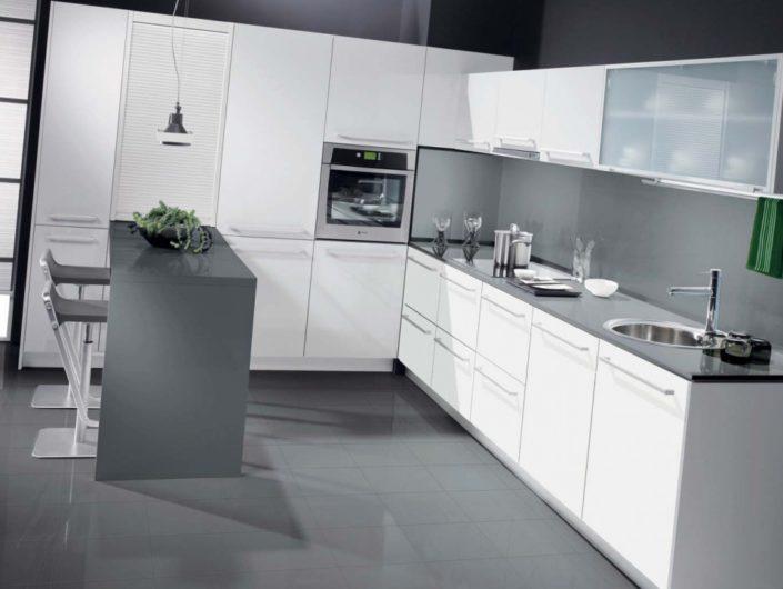 Cocina blanca moderna Zurione